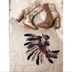 Feathered Indians tank 💐